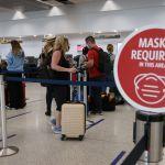 GettyImages 1299823233 - TSA extiende el uso de mascarillas en vuelos comerciales, autobuses y trenes hasta enero