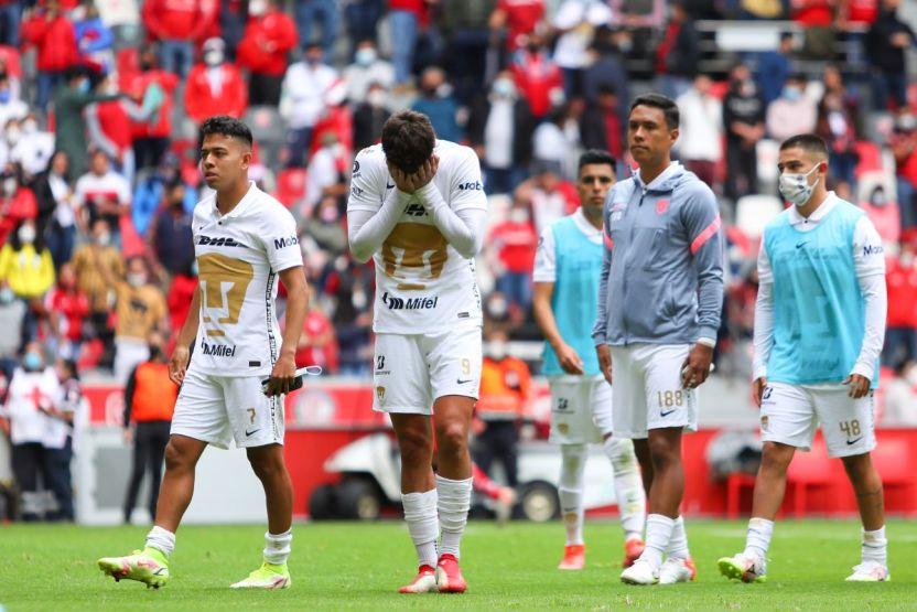 Imago 1111422 - Pumas se ahoga en una crisis deportiva y el entrenador explotó contra sus futbolistas