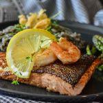 Salmon pescado RitaE en Pixabay - Cómo seguir una dieta para combatir la inflamación crónica