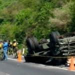 whatsapp image 2021 08 08 at 4 40 32 pm crop1628460012666.jpg 242310155 - Vuelca camión del Ejército en la Guadalajara-Tepic; hay 2 muertos