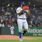 GettyImages 1338369730 - Julio Urías gana su juego 16 con los Dodgers y aún aspira al Trofeo Cy Young