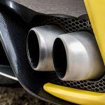 car exhaust smoke - DMV California: cuándo debo hacerle una inspección de emisiones a mi auto