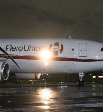e k3l0cvqamlumm - Más de 970 mil vacunas de AstraZeneca llegan al Aeropuerto de la Ciudad de México