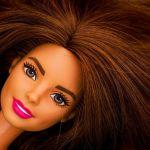 shutterstock 755422384 - Barbie celebra Mes de la Herencia Hispana y rinde tributo a Celia Cruz y a la escritora Julia Álvarez pero no estarán a la venta