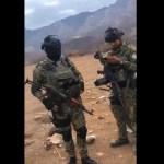 VIDEO  Narcos del Cártel de Sinaloa se exhiben con armas y vestidos como militares mexicanos - VIDEO: Narcos del Cártel de Sinaloa se exhiben con armas y vestidos como militares mexicanos