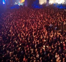 The sea of people waiting for Lana Del Rey. Photo by Santiago Aguilar