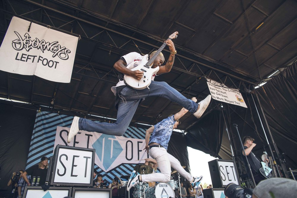 Set It Out shut it down at the Journey's left foot main stage at the infamous punk rock summer festival Warped Tour 2016
