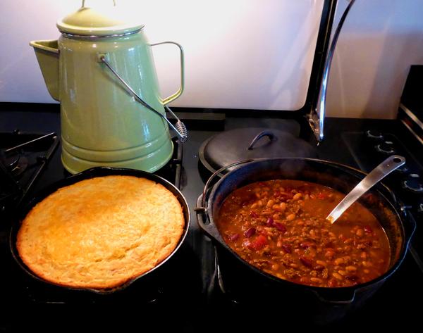 Chilie and Cornbread