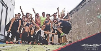 20 Liegestütze #findfocus #challenge #sportyspice #überwindedich #gehandeinegrenzen #breakletics #adidasrunbase #rideberlin #fitnessberlin