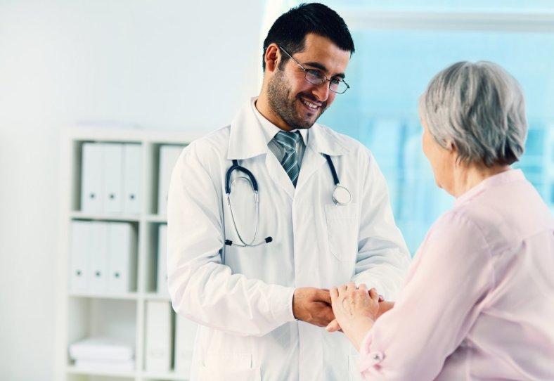 Doctor con paciente