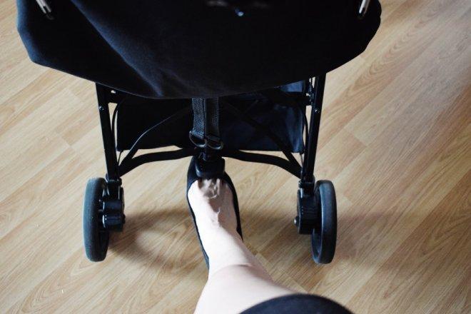 Pedal de plegado de la silla ligera compacta Kuki de Baby Monsters