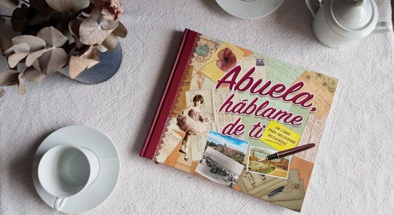 Libro Abuela, háblame de ti , un regao para toda la familia.