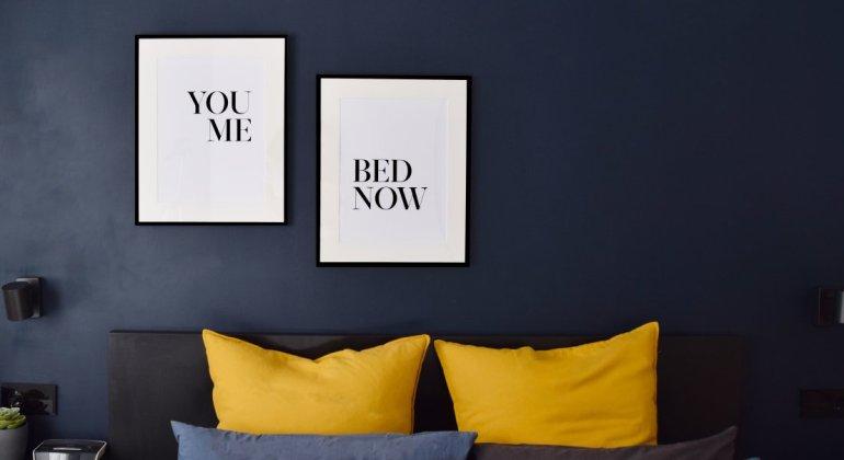Microgalería de posters con las citas You Me Bed Now, creada con PosterStore, redescubriendo mi maternidad