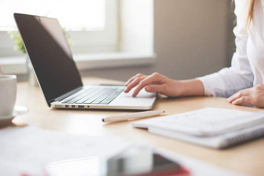Flexibile employment contract-laptop computer