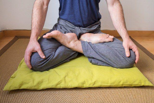 Postura de loto completo (meditación)