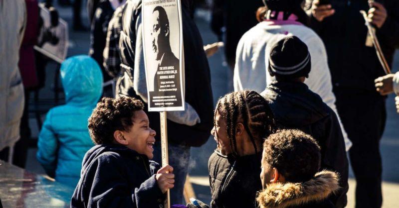 Niños en una manifestación