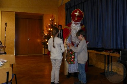 Für die Kleinen gab es Geschenktüten mit Süßigkeiten und Überraschungen