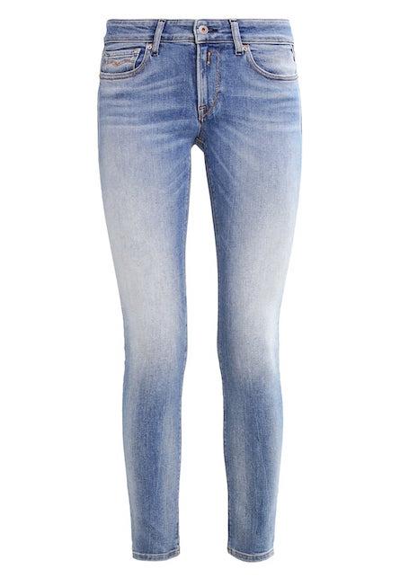 jeans Saldi: 5 pezzi furbi (e indispensabili) che non potete perdere