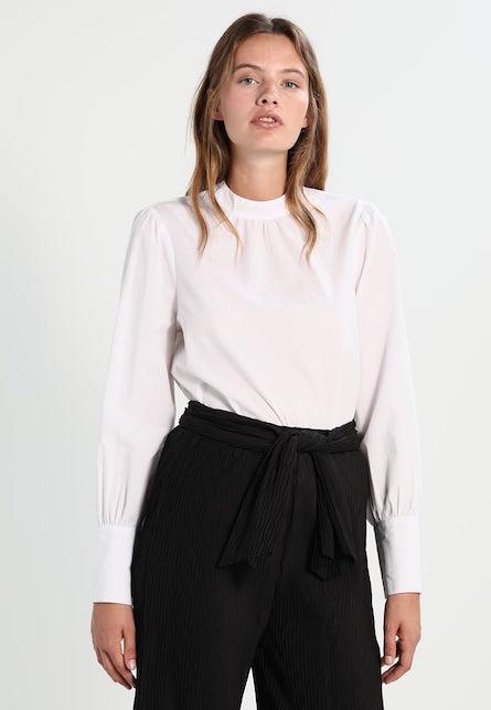 La camicia bianca: 10 consigli di shopping per voi6