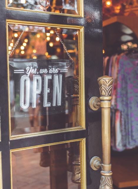 Saldi, come comprare bene e sostenibile: 4 consigli per voi