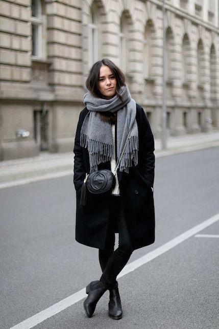 Come abbinare le scarpe ai vestiti quando fa freddo