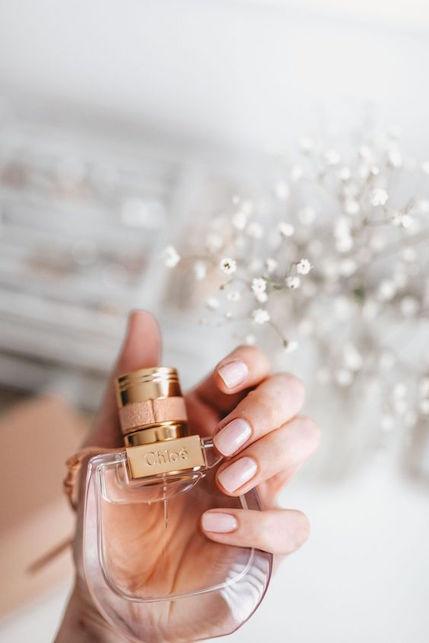 Come mettere il profumo in modo elegante