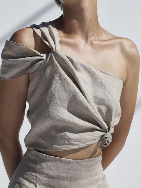 Come indossare il lino sopra e sotto gli anta