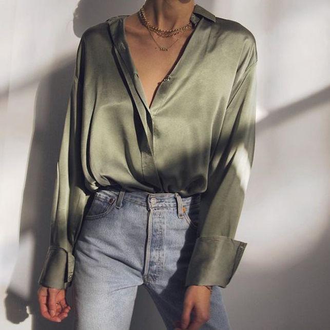 Come abbinare la camicia in seta in modo casual