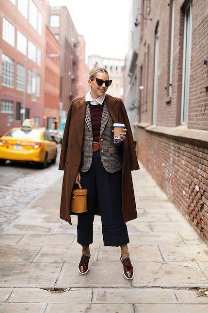Pantaloni cropped: come indossarli in autunno