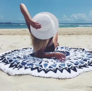 À gagner : une couverture de plage style Mandala