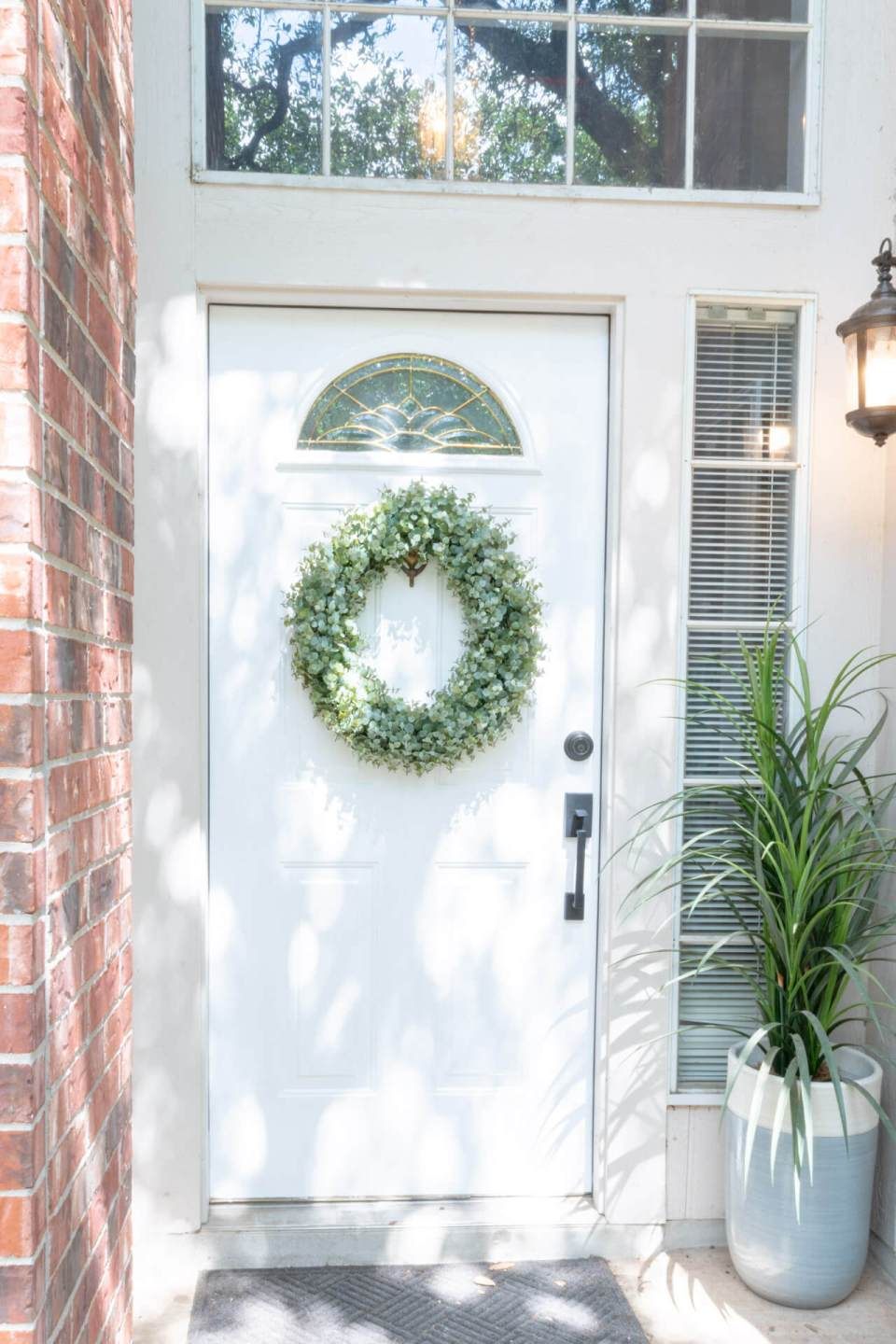 DIY   Brick House   Ideas   With Beige Siding   Paint Front Door   Perfect Front Door Color   Entrance   Entryway   Colour   Curb Appeal   White Trim   House