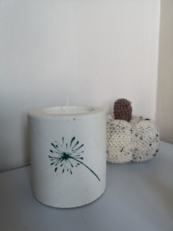 Dandelion Candle photo 1