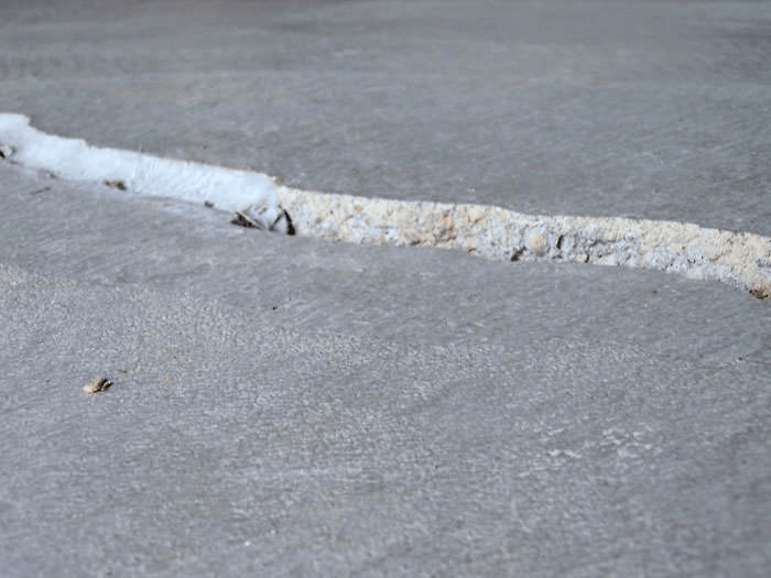 6 types of concrete cracks and what