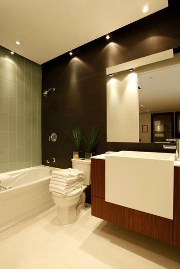 Parade Condos Bathroom Area Toronto, Canada