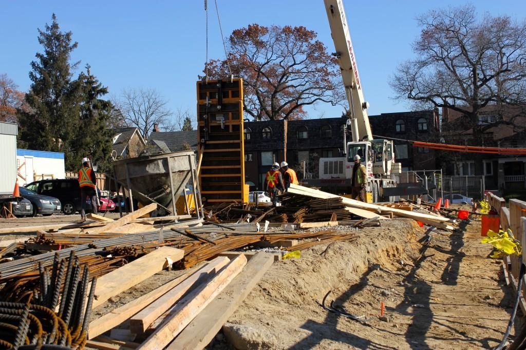 HighPark Residences Condos Construction Toronto, Canada