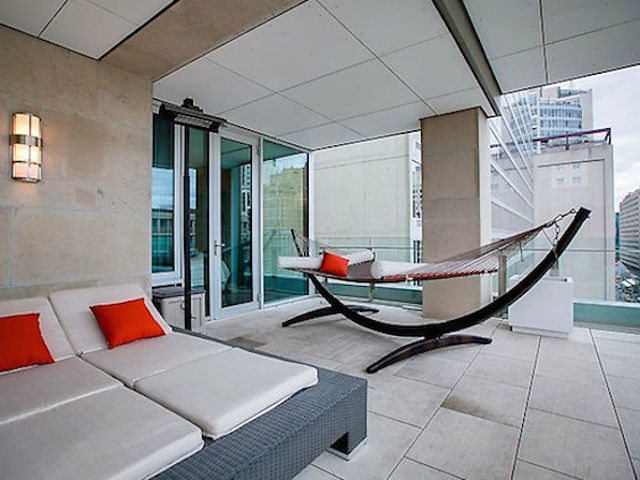 155 Cumberland Condos Lounge Toronto, Canada