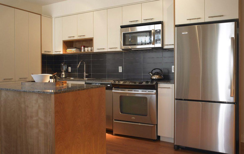 One Valhalla Towns & Condos + Triumph Phase Three Kitchen Toronto, Canada