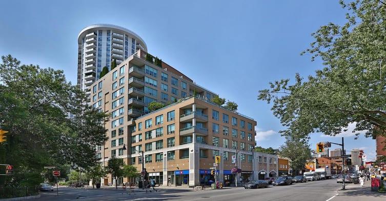 Exterior image of the Alexus in Toronto