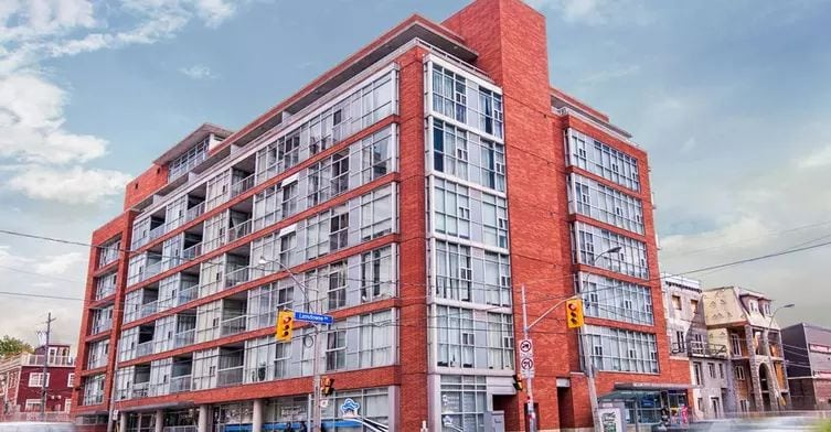 Exterior image of the Chelsea Lofts in Toronto