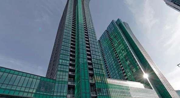 Exterior image of the Emerald Park 1 in Toronto