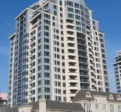 Exterior image of the Waldorf West Tower in Toronto