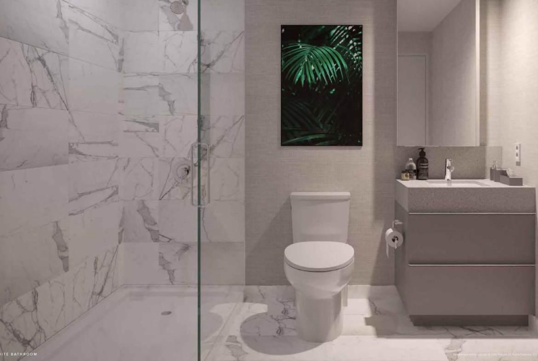 SXSW 2 suite bathroom.