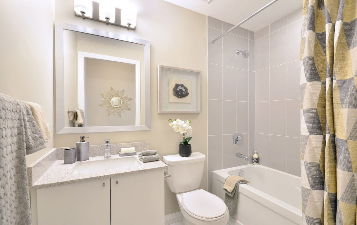 Interior rendering of Perla Towers condo suite bathroom.