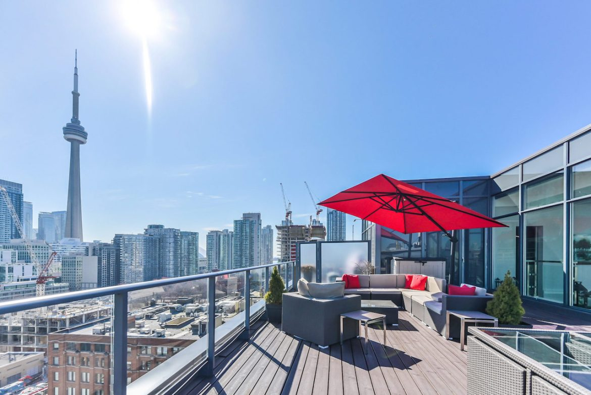 Condo patio at 478 King St W Ph02, Toronto, ON