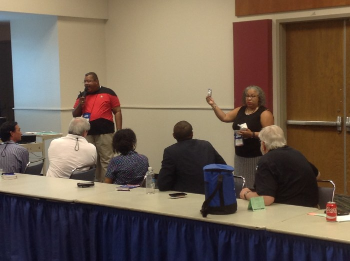 Dr. Branch and Dr. Abney explain Naloxone kits to trainees.