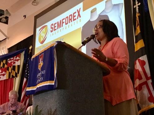 Saundra Lamb of Semforex.