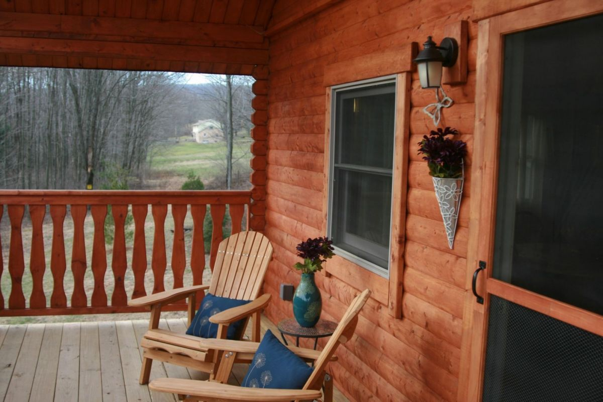 log home rustic porch