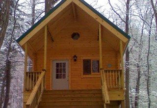 Outdoorsman small log home