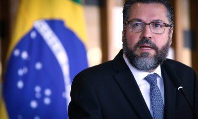 Brasil está pronto para contribuir para a paz no Oriente Médio, diz Ernesto Araújo 32