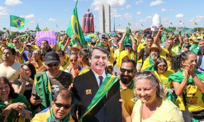 Em dia de manifestações a favor do governo Bolsonaro, tag #BrasilNasRuas lidera no Twitter 30